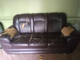 Vendo sofá prescisa de reformar