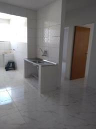 Apartamento de 2 quartos reformado a venda no centro de Caldas Novas GO