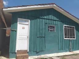 Aluga-sê casa próximo ao centro de São José dos pinhais no bairro boneca do Iguaçu