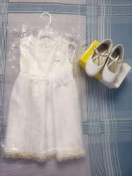 Vestido e sapato batizado