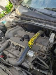 Volvo S60 T5 para retirada de peças.