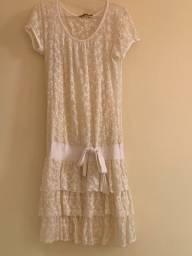 Vestido curto branco renda