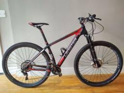 Montain Bike Lenister Carbono 0km. Aro 29. Tam 17 Grupo Deore. Câmbio Tras Deore XT
