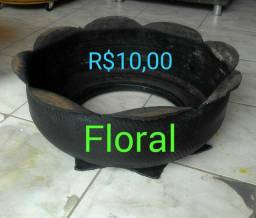 Vasos ecológicos em pneus