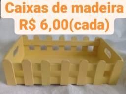 Caixas de madeira