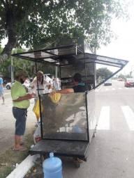 Mini trailer de churrasquinho