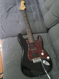 Guitarra Squier com caps Dimarzio e seymour duncun
