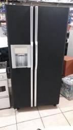 Geladeira grande frots Free,2 parte uma congela outra refrigera