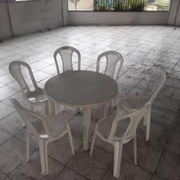 Cadeira bistro tramontina 29.90 reais cada