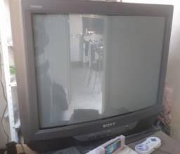 TV Sony 29 polegada , clássica para vídeo games em ótimo estado !