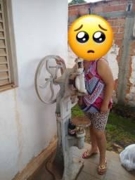 Antiguidades da época que não tinha rede elétrica no Brasil Furadeira manual invertida