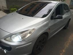 Peugeot 307, 2.0 sedan