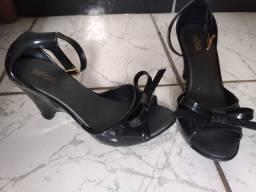 Sapato de salto Melissa