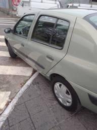 Vendo ou troco carro muito novo