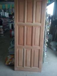 Portas de cedro
