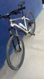 Bicicleta usada poucas vezes