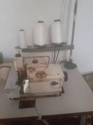 Vendo duas máquinas de costuras reta e overlok