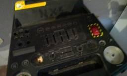 Vendo essa caixa de som ela da marca Philips nx5 só uís fios estão desligado