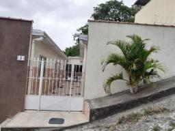 Casa  c/2 quartos  em Vila no Centro SG