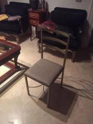 Vendo 400 cadeiras iguais a essa, para buffet ou restaurantes.