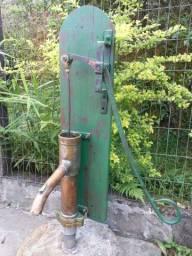 Antiga bomba de agua manual cobre+metal funciona