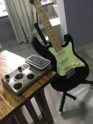 Guitarra Strinberg + Pedaleira Zoom