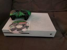 Título do anúncio: Xbox One S 500GB troco em PS4 Slim branco