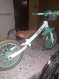 Bicicleta para equilíbrio de criança