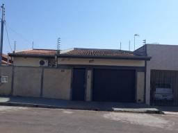 Vende-se casa no Conj. São José I