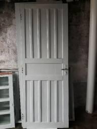 Porta , pia de cozinha, vitrô de aluminio , janela e gabinete de banheiro