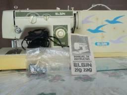 Maquina de costura Elgin R$ 300,00