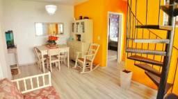Cobertura - 03 Dormitórios, Mobiliada, e com box - R$ 320 Mil