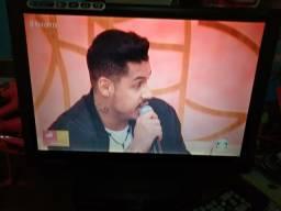 TV LCD cce 14polegadas mas o conversor comprar usado  Vila Velha
