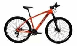 Bicicleta Caloi aro 29, suspensão com trava
