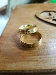 Alianças de ouro18k, para casamento. e noivado