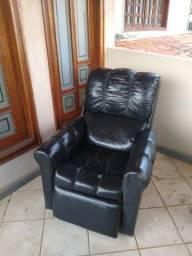 Poltrona reclinável usada