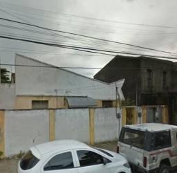 Quitinete de quarto e WC na Av. Visconde do Rio Branco próx Maurício de Nassau