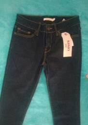 Levi's jeans na promoção