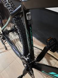 Bike aro 29 OKm peças Shimano Tam 19 12 x R$ 175