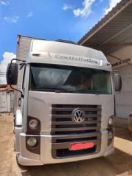 Caminhão VW 24250 Constellation teto alto