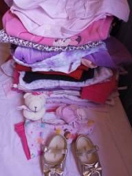 Vendo lote de roupas bebê menina tamanhos P e M
