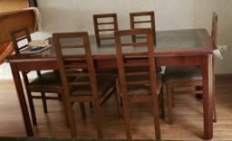 Baixou!! Cadeiras de madeira