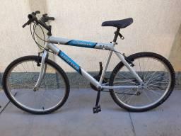 Bicicleta em alumínio, aro 26