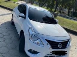 Nissan Versa - 2017 / Parcelado