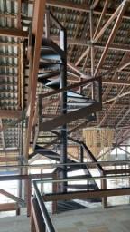 Escada de alto padrão Angelim pedra