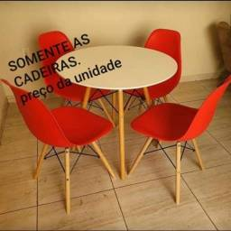 Cadeiras Eames eifell