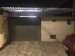 Aluguel de casa com cobertura na garagem