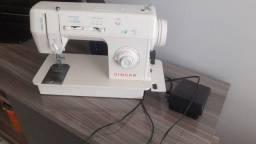 Vendo máquina de costura Singer usada