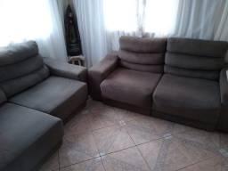 Dois sofás retrátil e reclinável bem barato