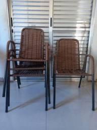 Vende-se conjunto com 4 cadeiras